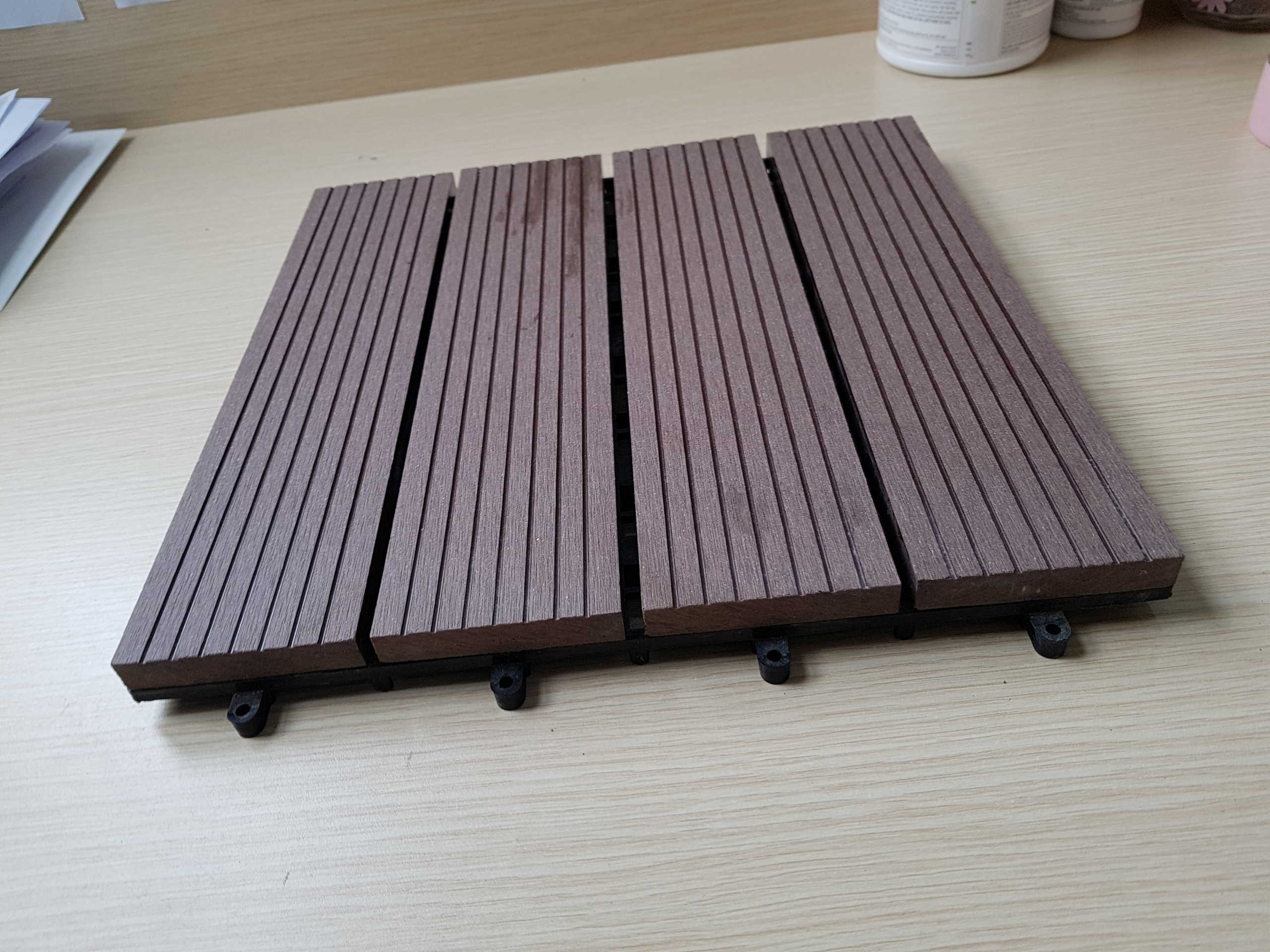 vỉ gỗ composite chịu nước