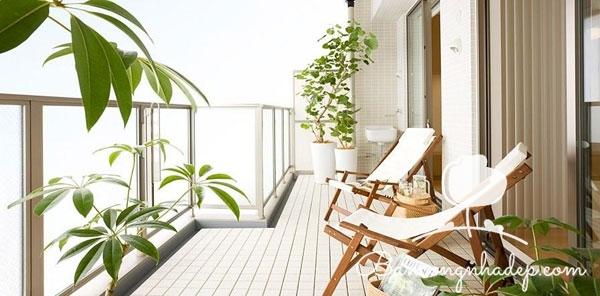 trang trí ban công chung cư tắm nắng