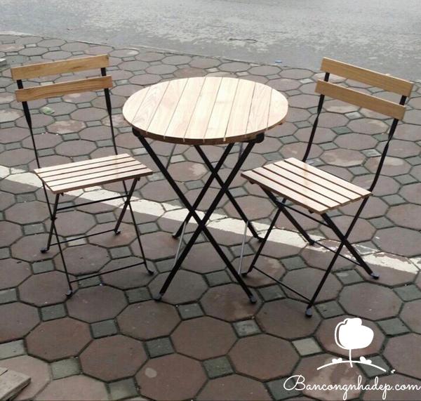 bàn ghế ban công chung cư bàn tròn