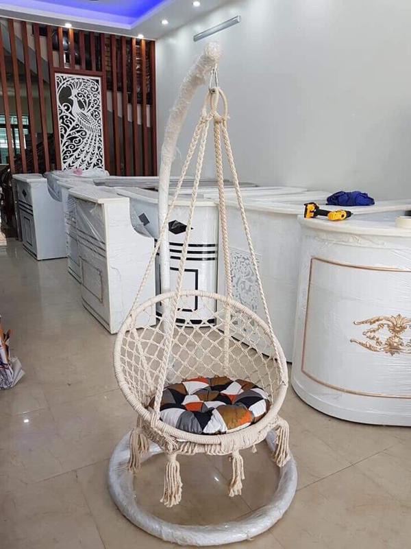 ghế xích đu dây đan ban công