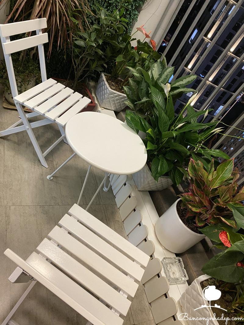 bộ bàn ghế mini mặt tròn trắng